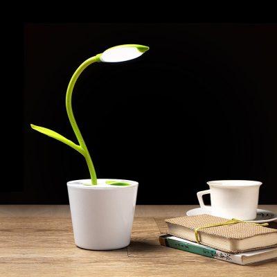 Tischlampe im Pflanzendesign